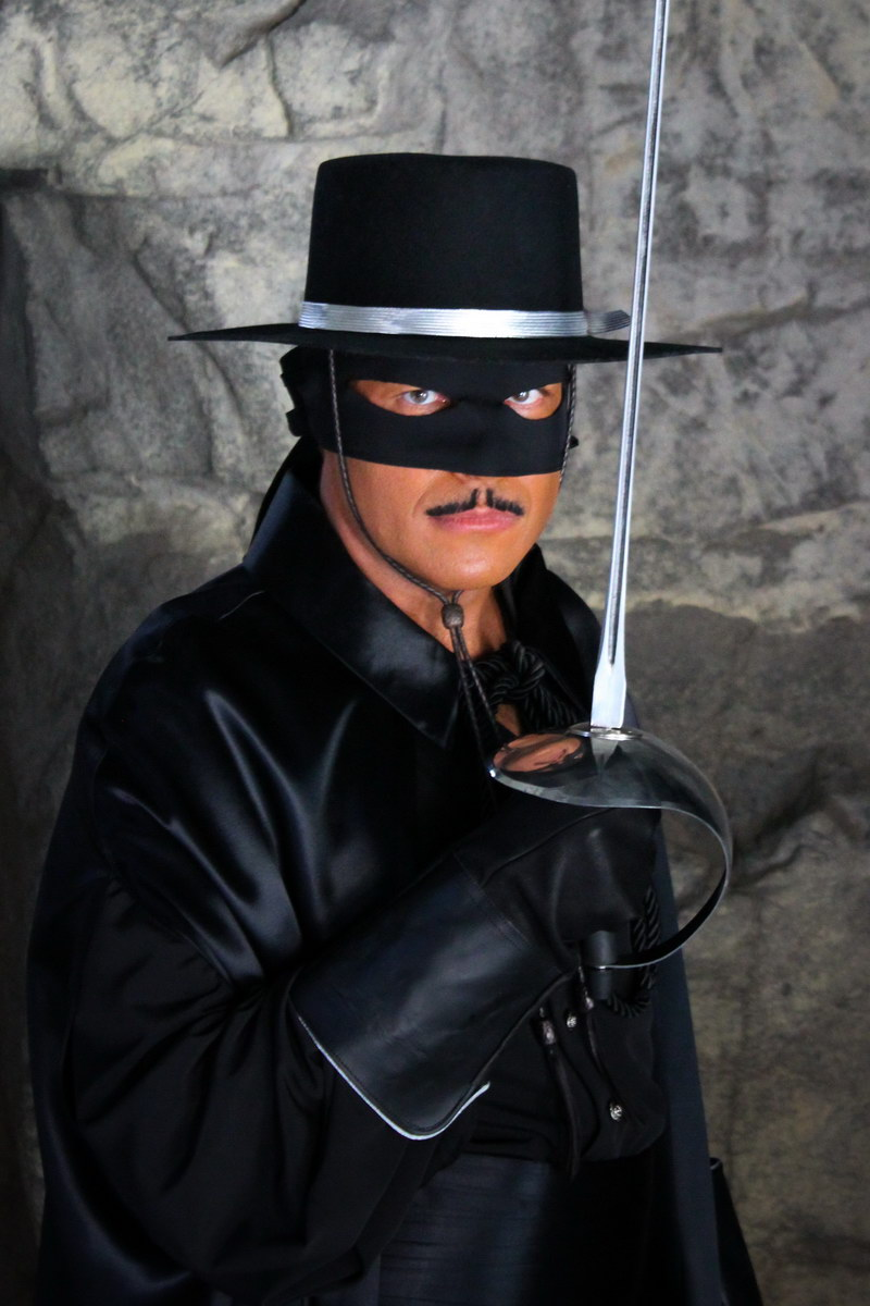 Zorro At San Diego Comic Con 2010 The Cave Board